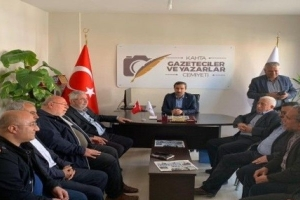 Ak Parti İstanbul 23. ve 24. Dönem Milletvekili Mehmet Metiner, seçim çalışmaları kapsamında Kahta Gazeteciler ve Yazarlar Cemiyeti'ni ziyaret Etti