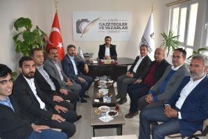 Milletvekili Aydın'dan, Kahta Gazeteciler ve Yazarlar Cemiyeti'ne ziyaret