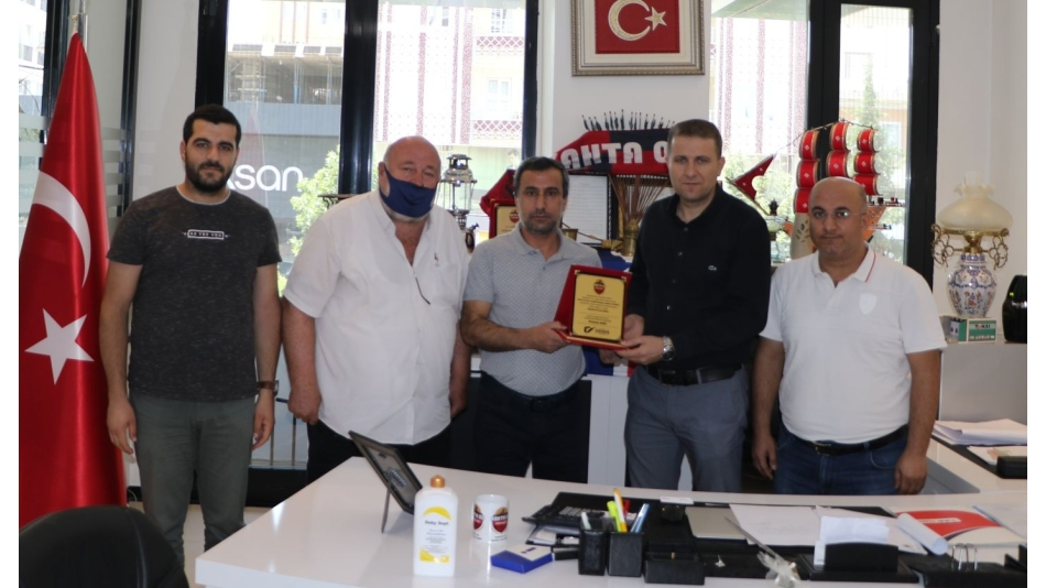 KGY CEMİYETİ'NDEN BAŞKAN MUSA YILDIRIM'A PLAKET